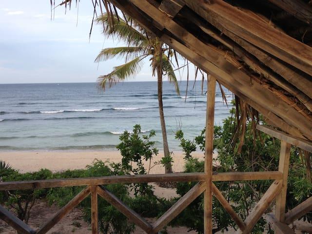 Beautifully rustic beach house on Takaungu Beach - Takaungu - Casa