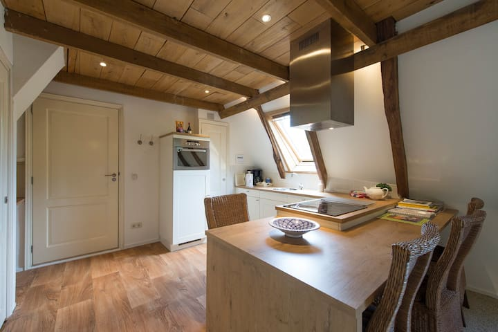 Hotel Erfgoedlogies de Eshof - Norg - Bed & Breakfast