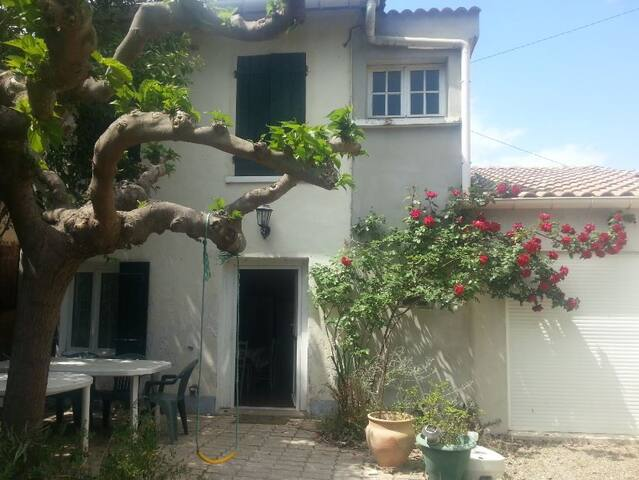 House with an authentic charm - Lézignan-la-Cèbe - House