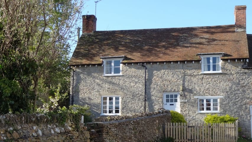 3 Lower Farm Cottage - Weymouth