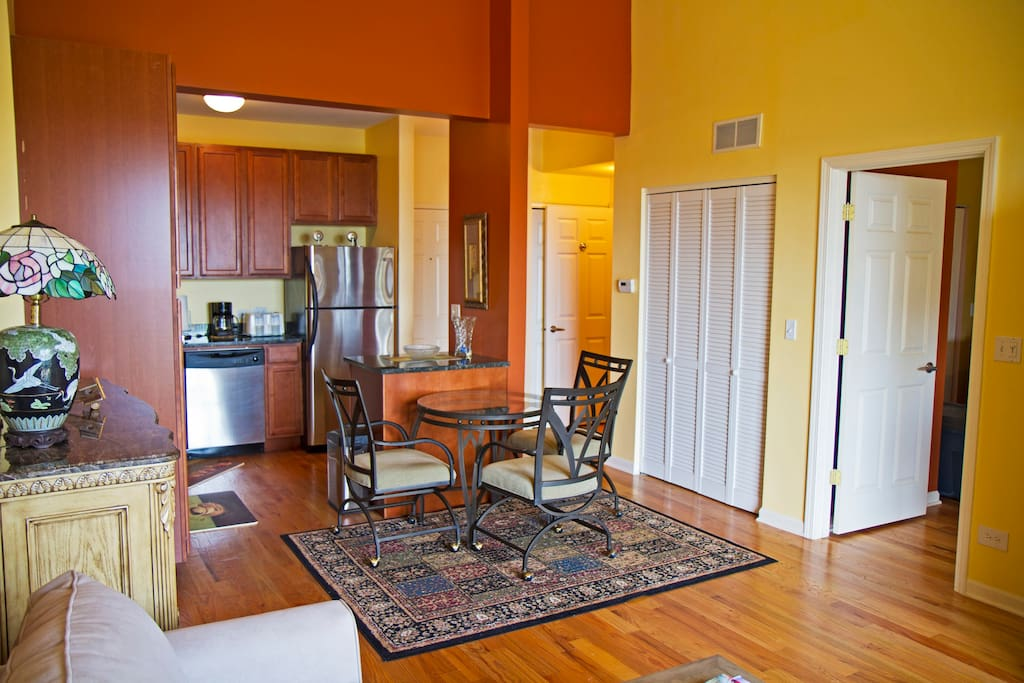 Home Away From Home Townhouses For Rent In Chicago Illinois United States