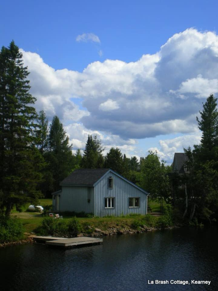 Cottage on the Magnetawan River Rent Wkly Sat-Sat.