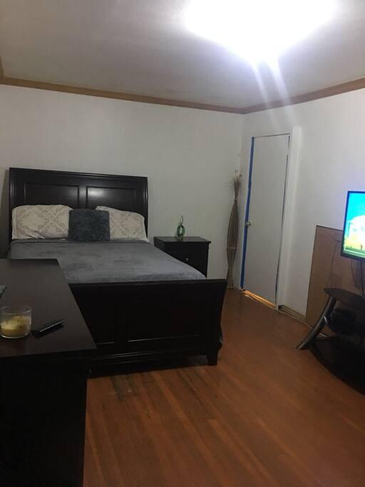 Room Vista  Room 3 $60 USD per night