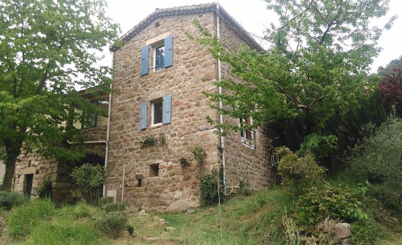 Maison ardéchoise - Saint-Maurice-en-Chalencon - Hus