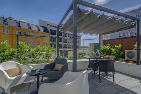 Lisbon Avenue Apartments-FreeParkG&Private Terrace