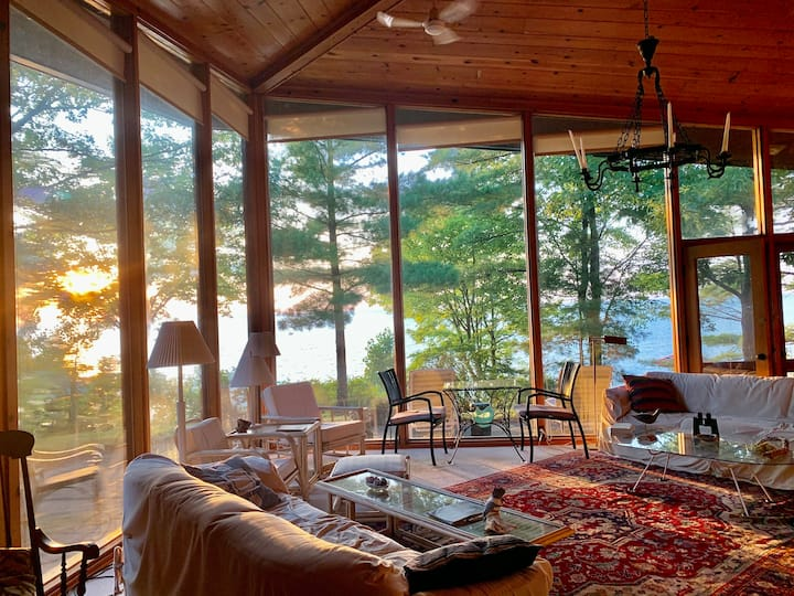Stunning Waterfront Location in Southcott Pines!