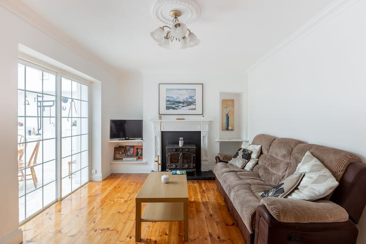 Saint Anne's Road Townhouse - *Great Location*