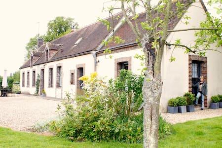 Chambre indépendante et pastorale....