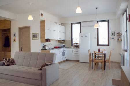 Modern Apartmnent in Old Tbilisi - Avlabari - Квартира