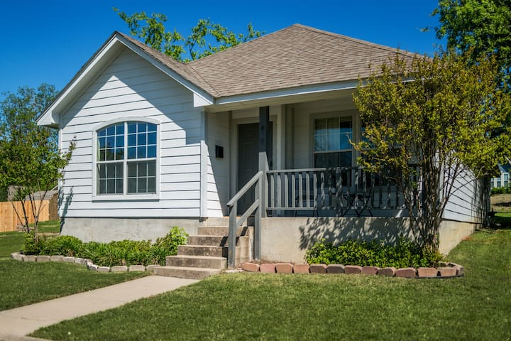 Family Friendly Craftsman Near Historic Downtown - McKinney - Ház