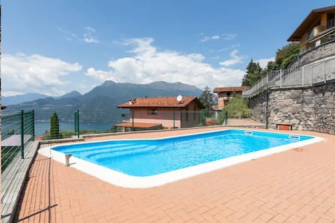 Magic moment in Lake Como