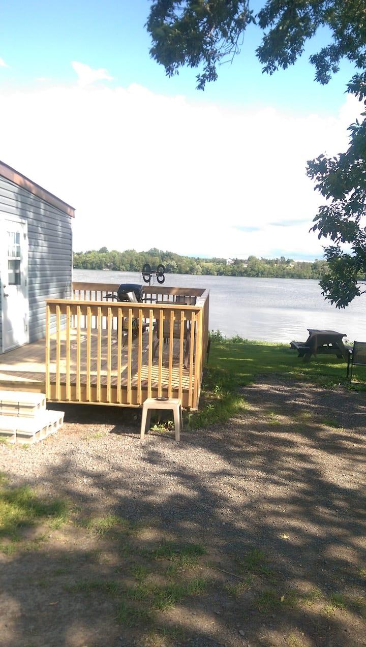 Blue Cottage on Hay Bay
