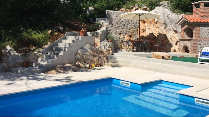 Charming Apartment with swimming-pool - Opatija