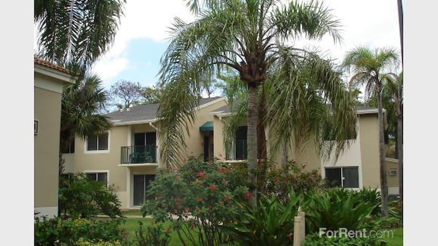 woodsdale oaks apartment complex - Lauderdale Lakes - Leilighet