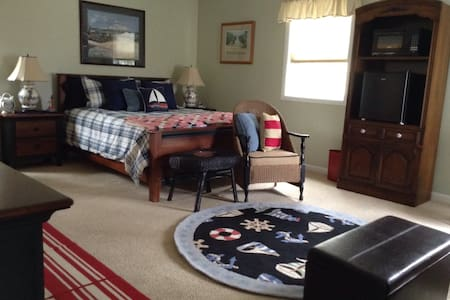 Large nautical master suite