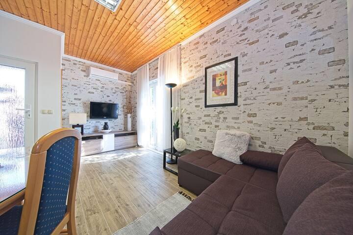 Apartment Miljenko 2+1