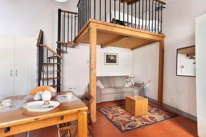 Pontevecchio charming studio