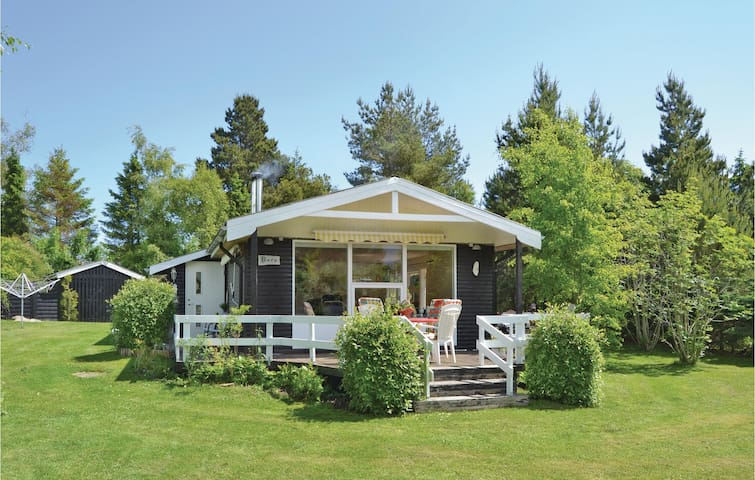 Holiday cottage with 3 bedrooms on 80m² in Hals
