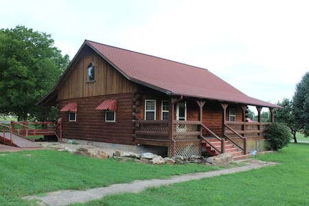 Fishing Cabin in Norfork, AR