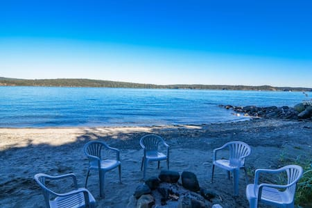 Luxury Villa with Beach + Hot Tub - Campbell River - Vila