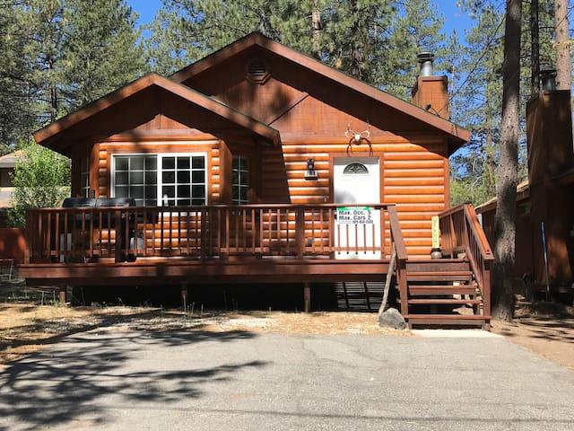 Bigfoot Lodge at the Base of Snow Summit
