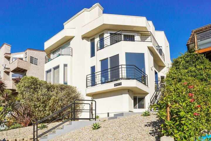 CARDIFF Beach House, Ocean Views, Newly Renovated!