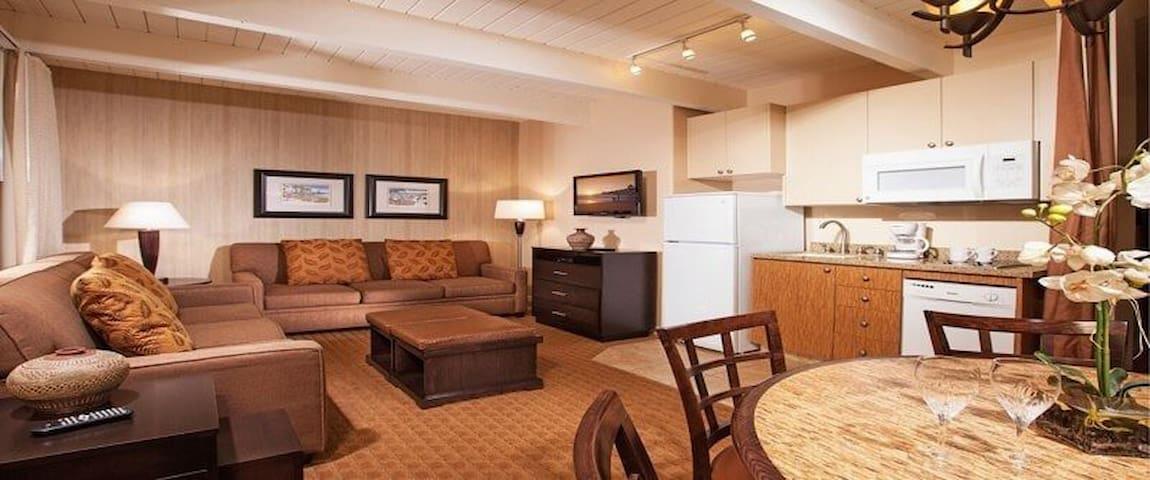 San Clemente 1 Bedroom Resort minutes from Beach!