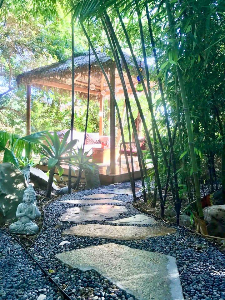 Tropical Garden House w/ Bali style Pool & Spa