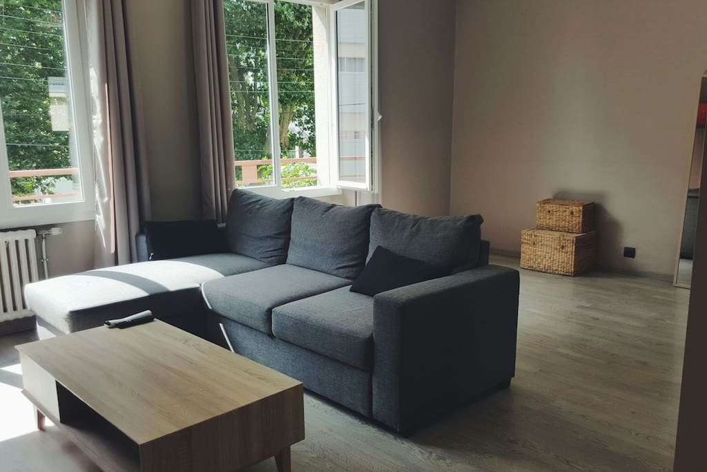 Bel appartement centre ville lorient 54m2 flats for rent for Piscine lorient