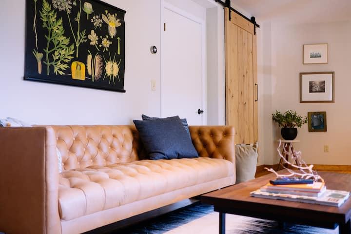 Garden Studio in a Modern Treehouse