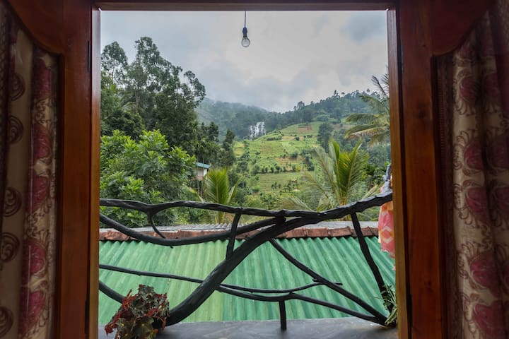 Neverbeen to Thilak's Waterfall Villa(Trible Room)