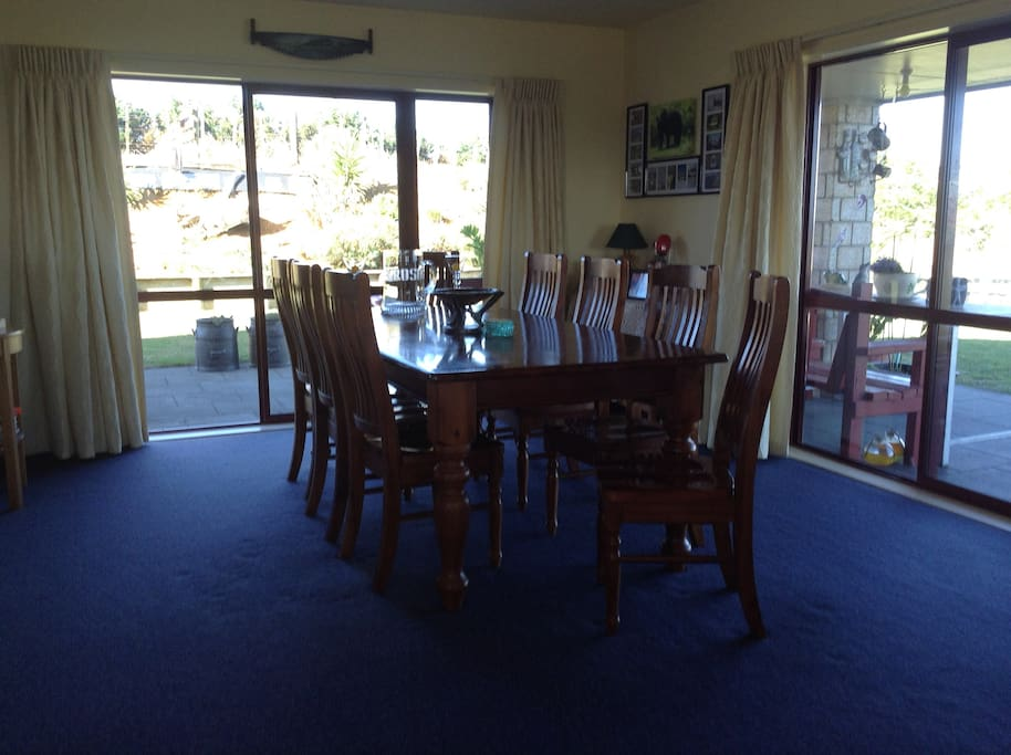 Large dining room to enjoy a kiwi breakfast and learn about our beautiful country