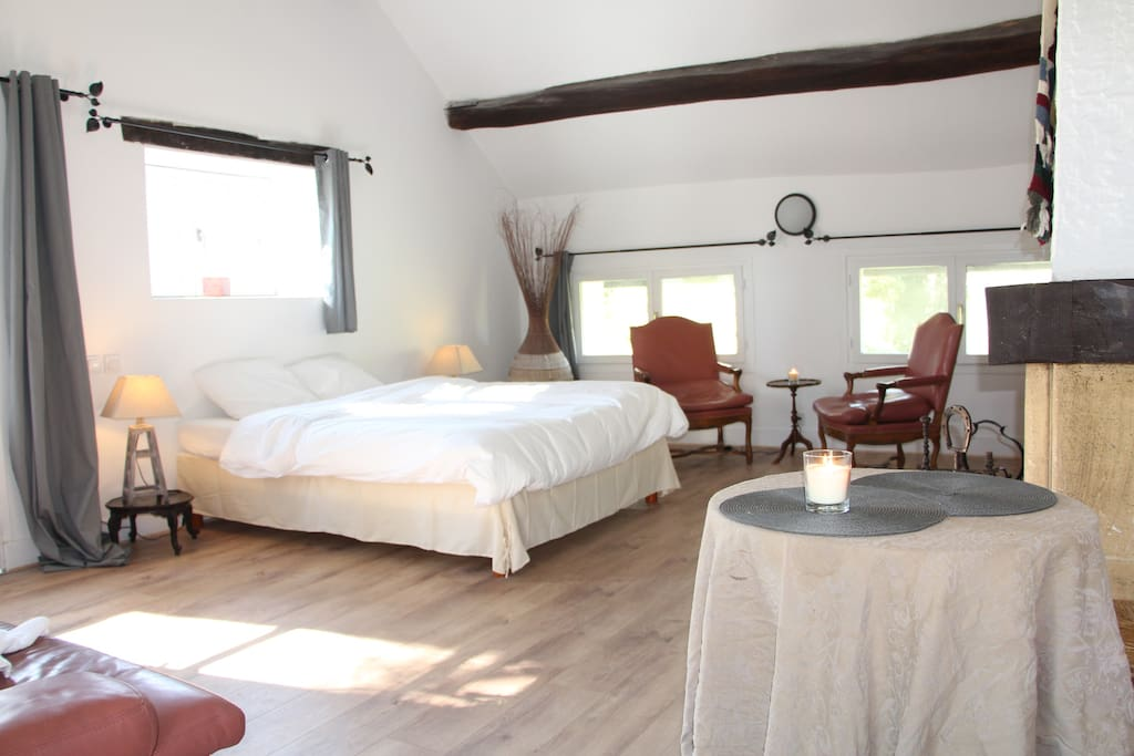 chambre de charme avec chemin e bed breakfasts for