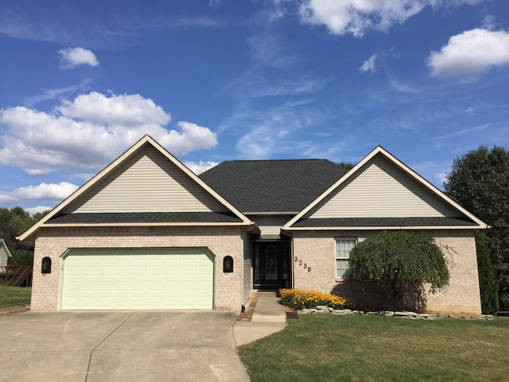 Family friendly home close to IU and Mall