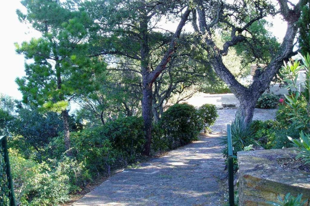 Chemin d'accès privé - Private access path