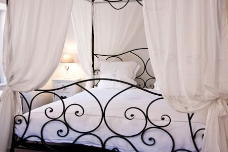Luxury authentic B&B Route du Vin - Saint-Hippolyte - Bed & Breakfast