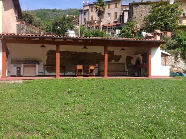 Casa Volante - Licciana Nardi - House