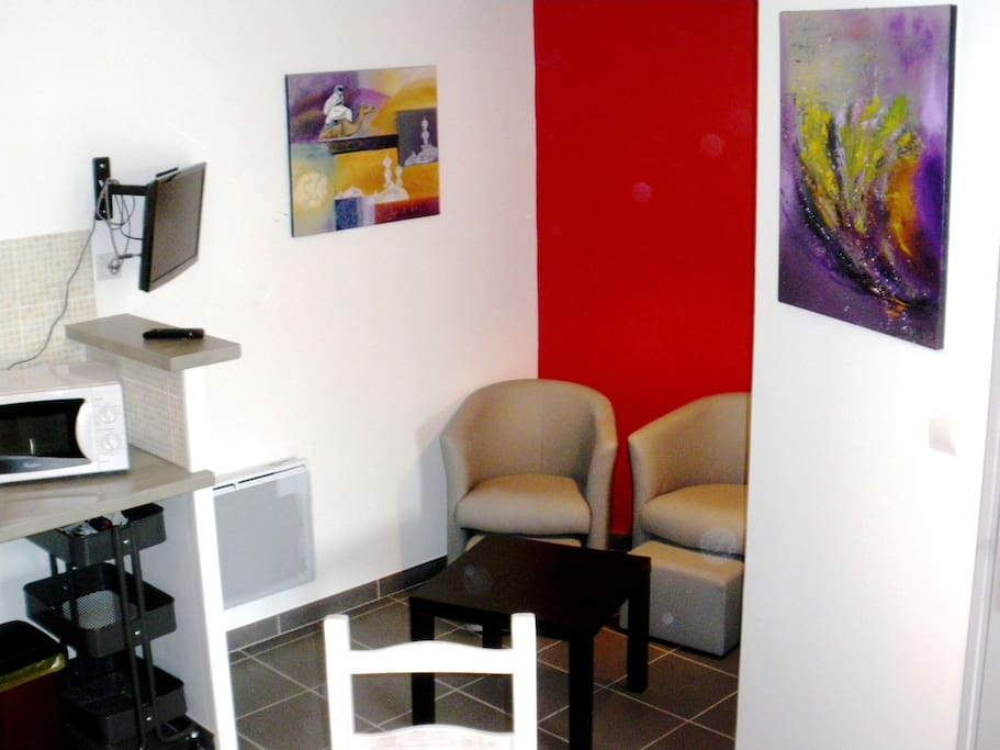 confortable meubl de tourisme maisons louer la rochelle poitou charentes france. Black Bedroom Furniture Sets. Home Design Ideas