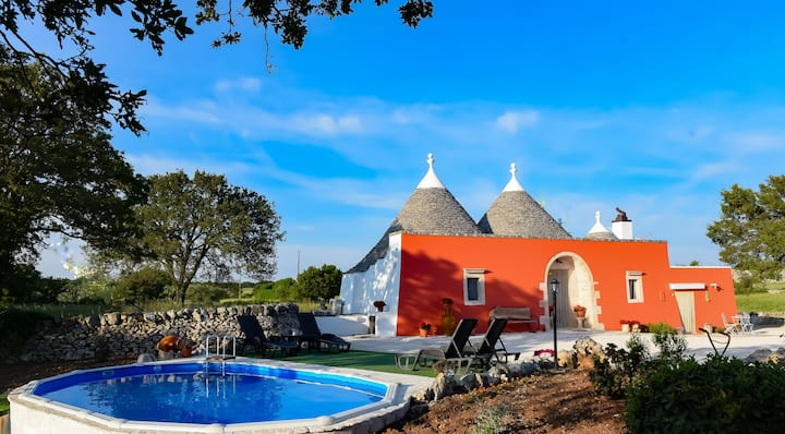 """Trullo Barratta"" con piscina"