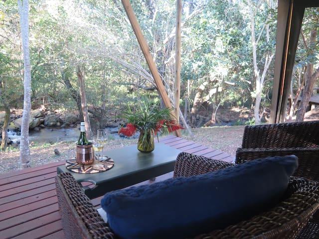 Mthunzi River Tent