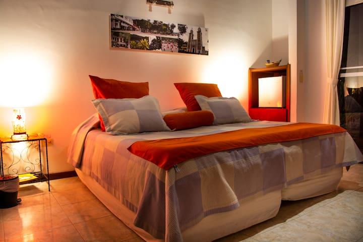 ★Private Bedroom |Family Friendly| Coffee Region★