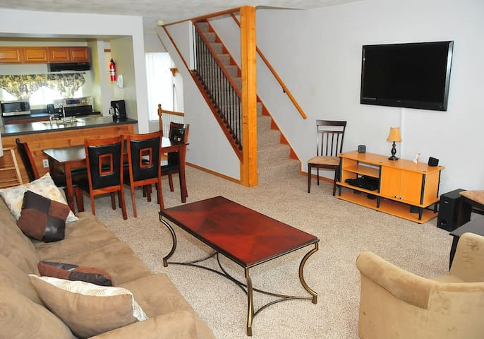 Seven Springs Updated Townhome
