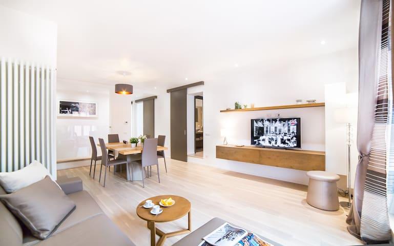 Valentino's Luxury Apartment