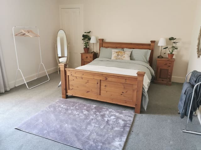 New! Cathedral View Apartment, Fortrose