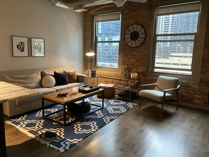 Beautiful 1 bed, 1 bath in Streeterville