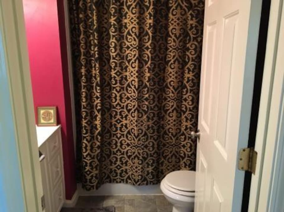 Guest Bathroom - Upstairs