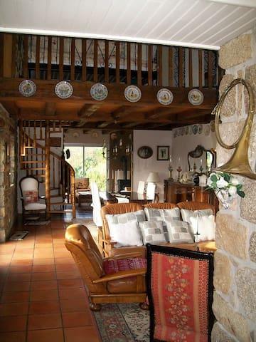 Maison de charme en pierre au calme - Lanildut - House