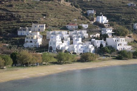 Villa by the sea - Agios Romanos - Willa