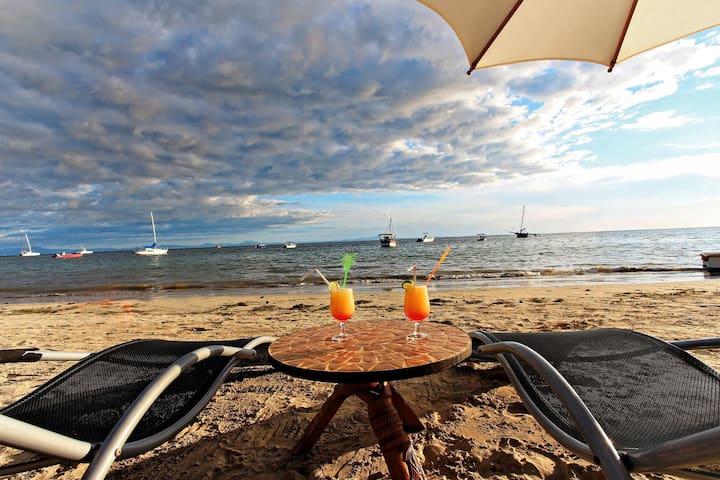 cocktails frais et relax en bord de mer