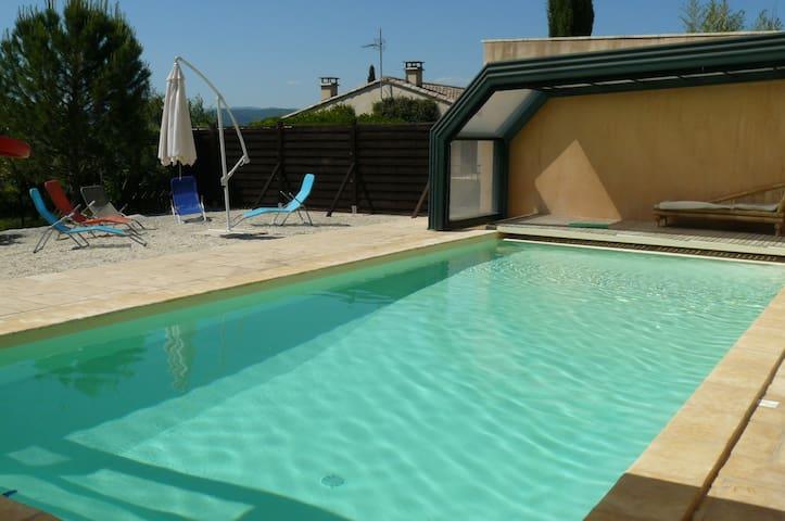Près d'Anduze un gîte confortable avec piscine - Lézan - Casa